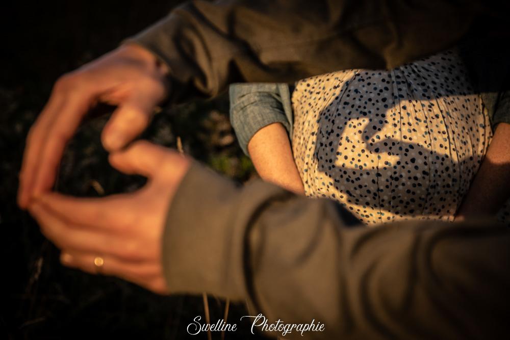 Photographie coeur en ombre avec les mains