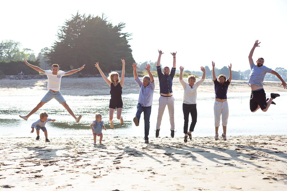 Photographie de famille en bord de mer, photo fun