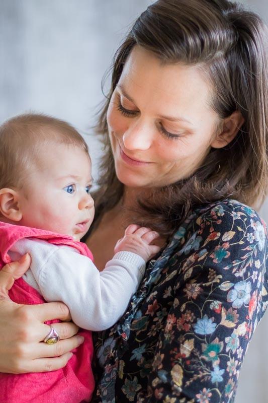 Photographe professionnelle parent bébé