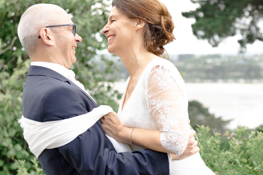 photographie-mariage-couple-joie-locquirec-lannion-bretagne