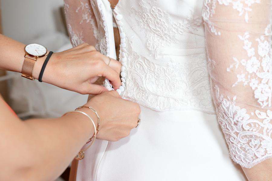 photographie-mariage-preparation-robe-dentelle-lannion-bretagne
