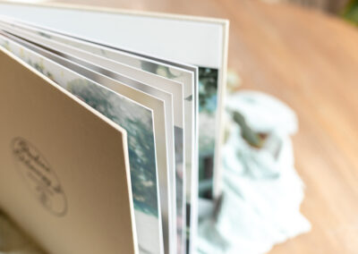 Pages Livre photo luxe mariage - 30x30 - Pauline Delaunay Photographie