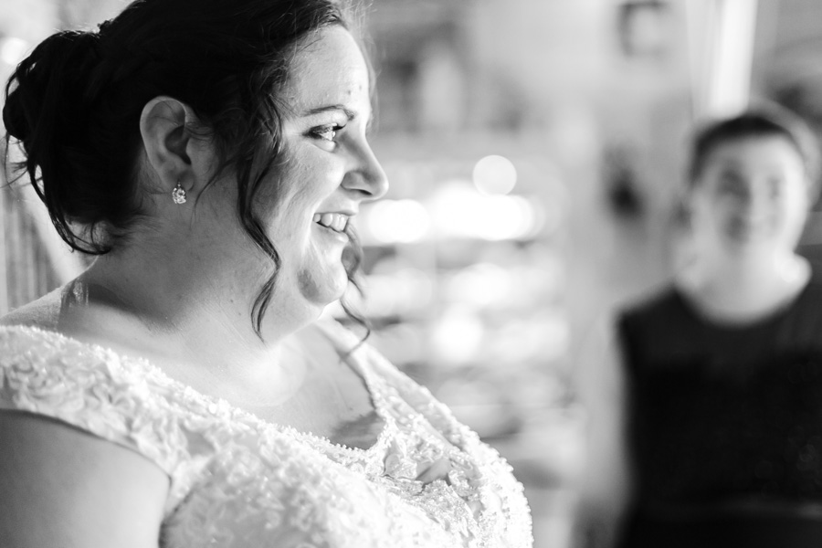 Préparatifs et habillage des mariés, la mariée