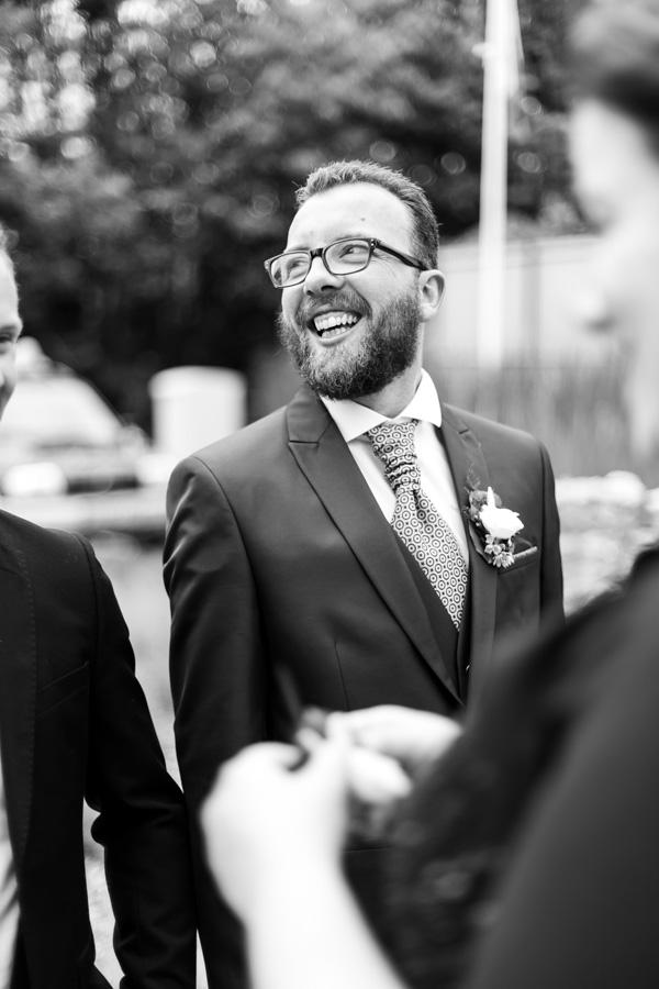 le marié heureux