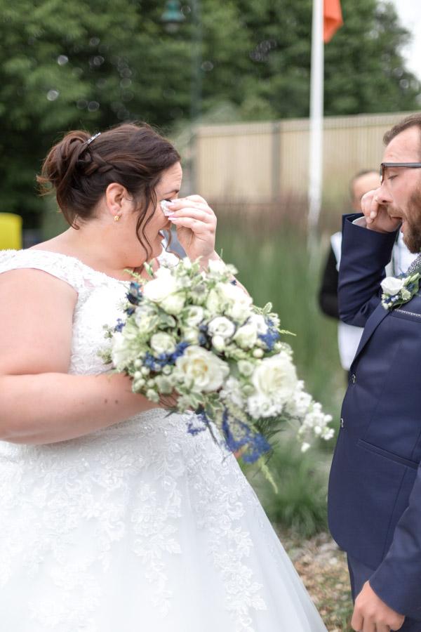 l'émotion des mariés, larmes de joie