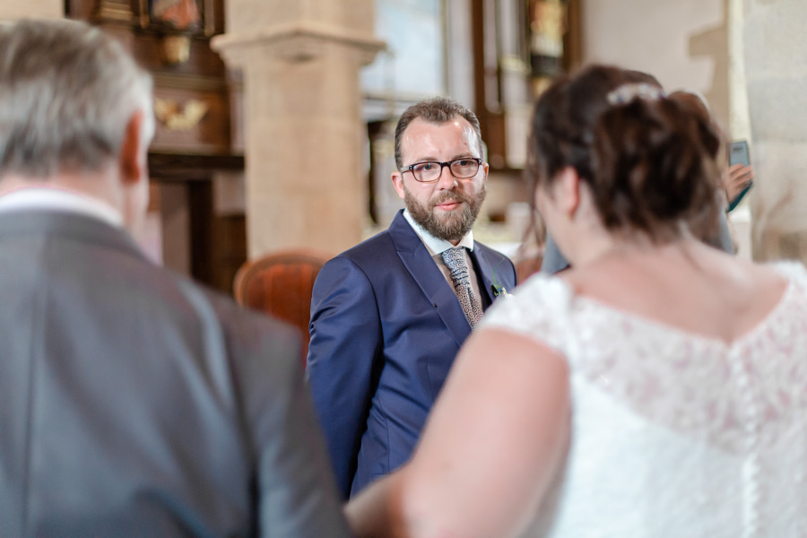 émotion du marié