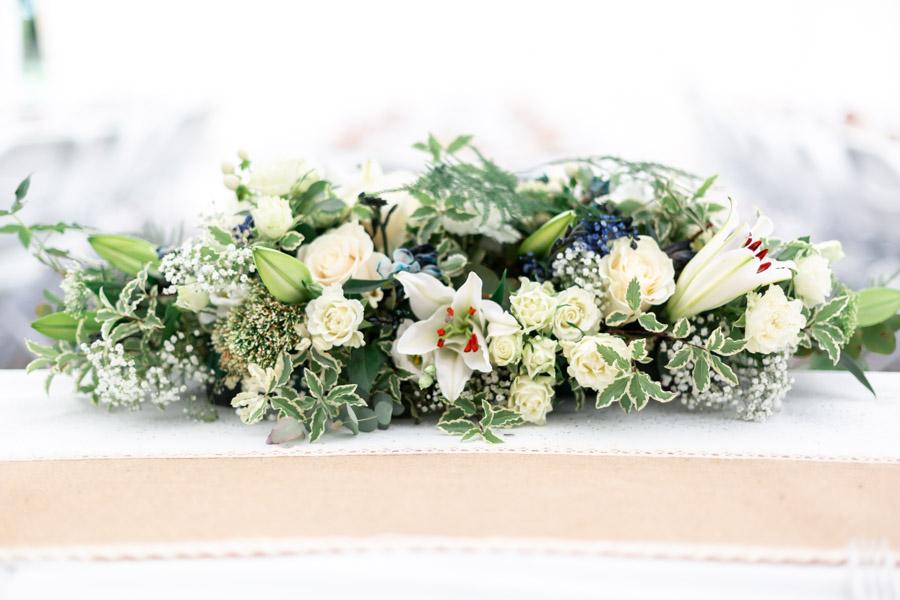 Soirée du mariage au domaine de Coat Aillis - Plestin-les-gèves, Décoration florale épurée et délicate de la table