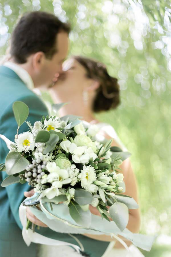 Bouquet de la mariée vert et blanc champètre lanmeur