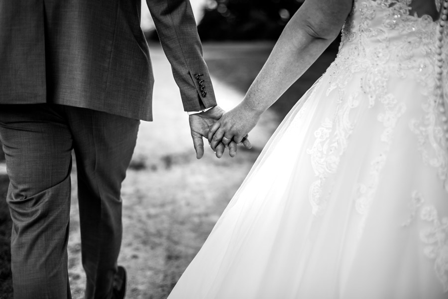 mariés main dans la main plouigneau
