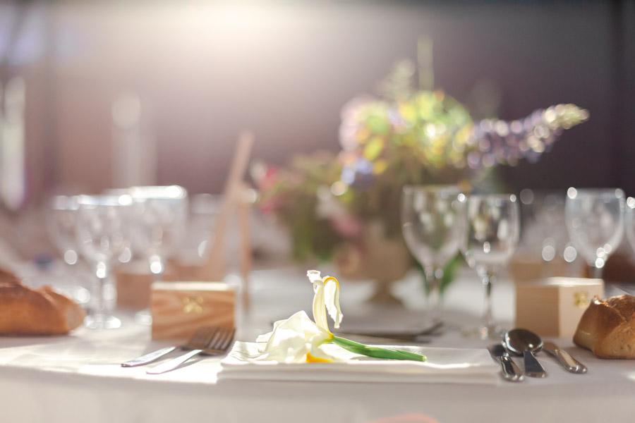 Décoration florale table mariage chateau de Kergrist Ploubezre