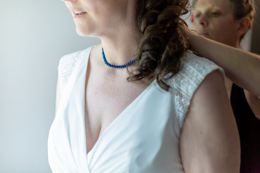 préparation de la mariée, les bijoux Plestin les greves