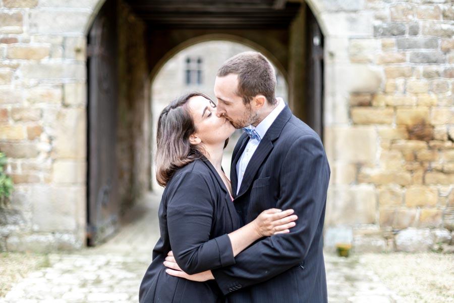 Photo de couple d'invité mariage chateau de Rosanbo Lanvellec